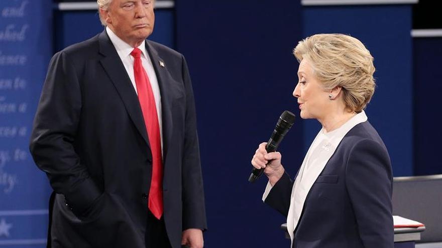 Trump insinúa que Clinton se drogó en el último debate y pide hacerle una prueba