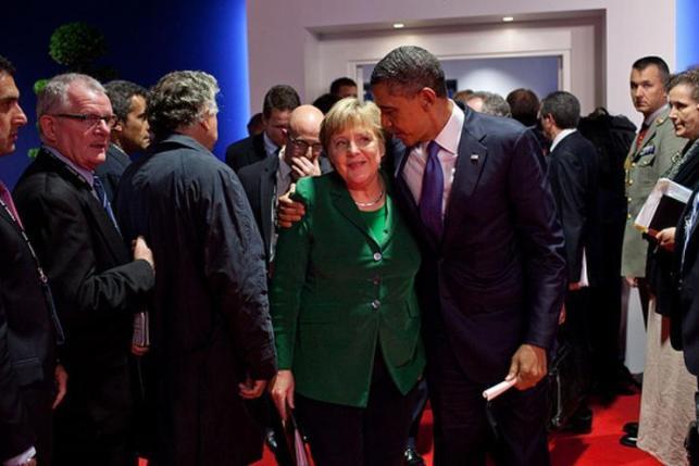 La presión de EEUU sobre la UE (en la foto, Obama y Merkel) puede hacer que se aprueben normas perjudiciales para el consumidor europeo. Foto: Pete Souza (Casa Blanca)