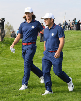 WHAT IS THE DIFFERENCE BETWEEN FOURBALLS AND FOURSOMES?