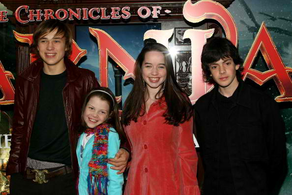 the chronicles of narnia silver chair round on stand original cast will not join says director