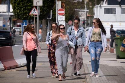Gente en las calles de Gibraltar a fines del mes pasado.
