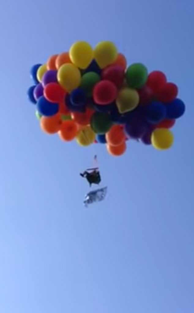 This Man Flew Over Canada on a Lawn Chair Tied to Balloons