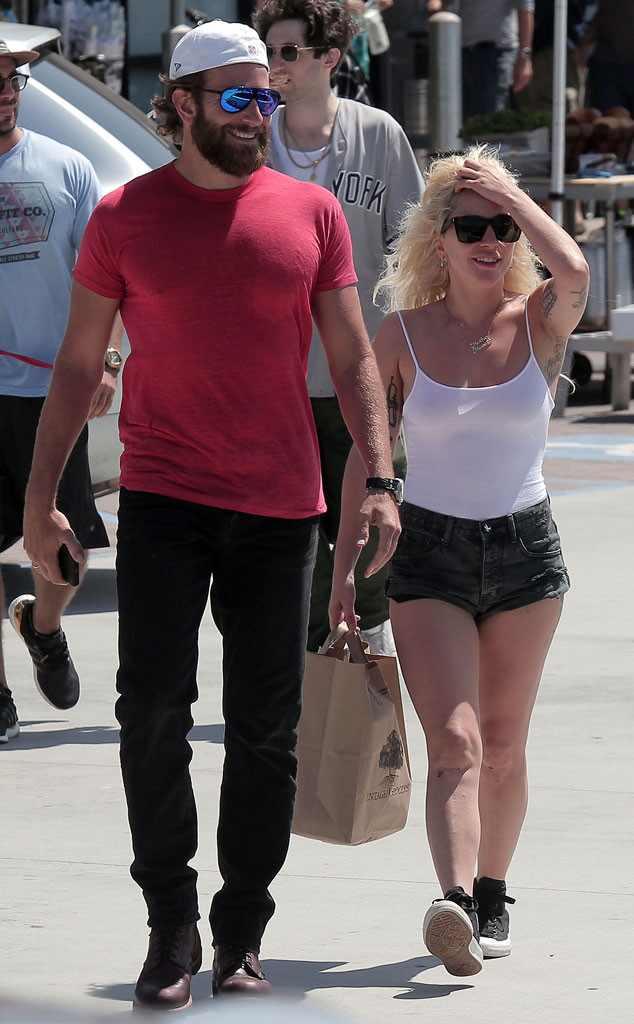 ¡mira La Primera Imagen De Bradley Cooper Y Lady Gaga Como