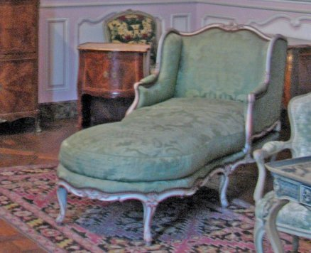 salon-lilas-louis-xv_chaise-1750_6157
