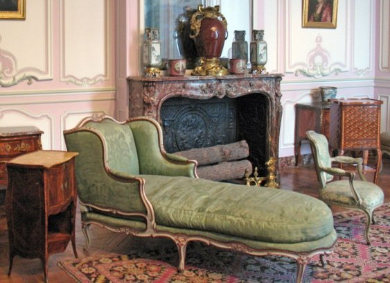 salon-lilas-louis-xv_chaise-etc_6139