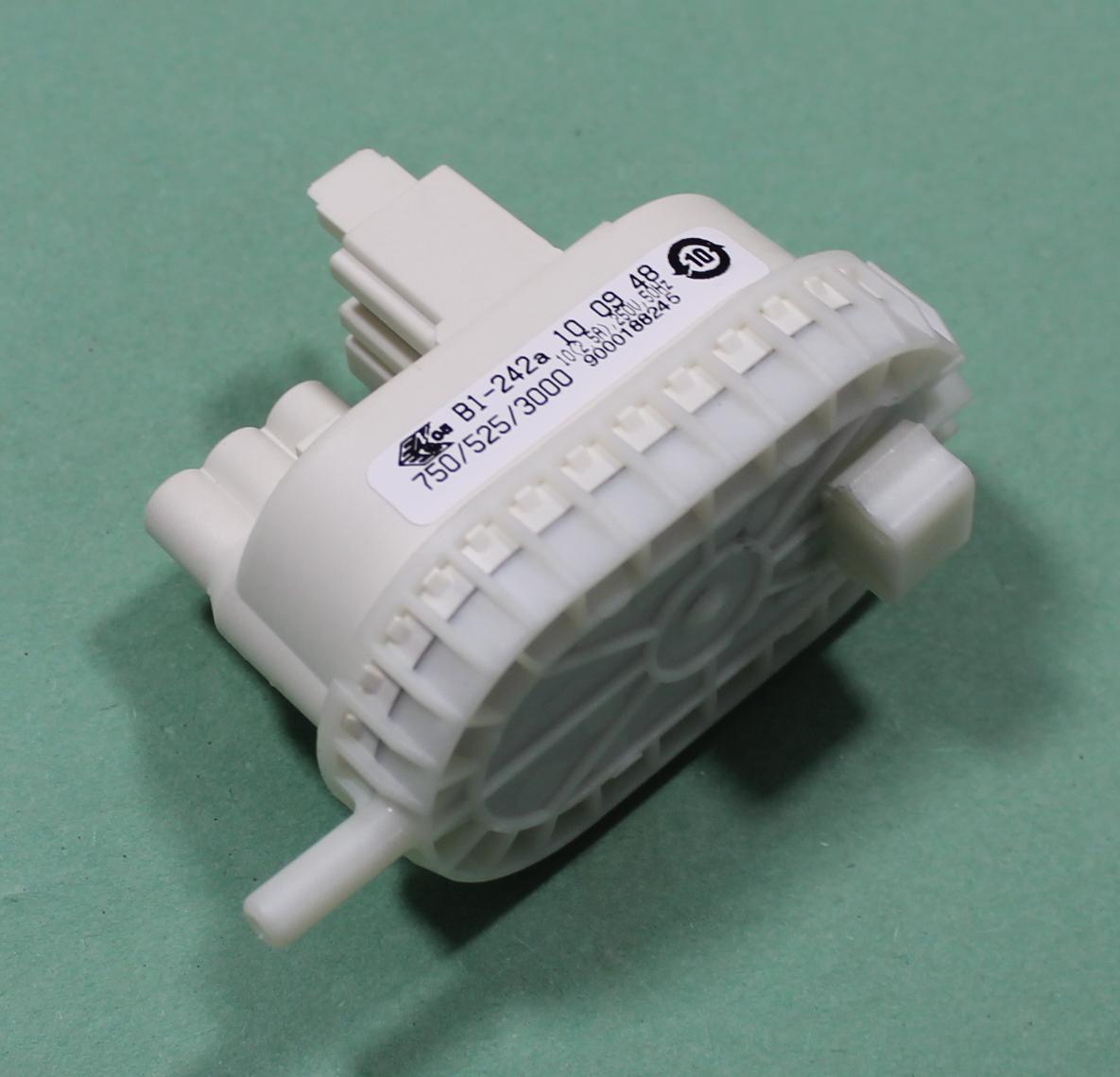 hight resolution of siemens wm14e162gb 05 washing machine pressure switch 9000188245