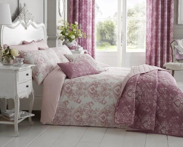 Floral Toile Comforter Set