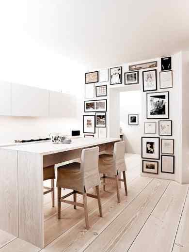 Interiores de un departamento en estilo minimalista