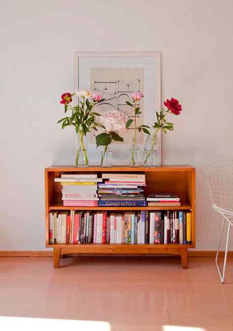 Un monoambiente con decoracin sencilla y clida