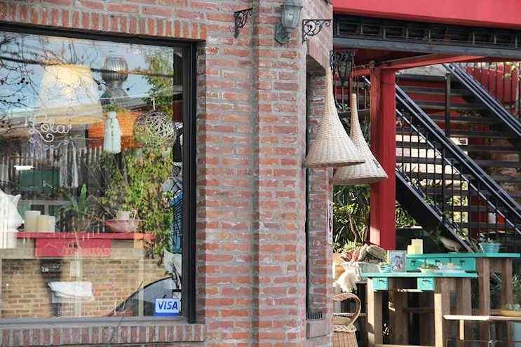 La Tienda de Lola  Muebles y Deco en el Puerto de Frutos