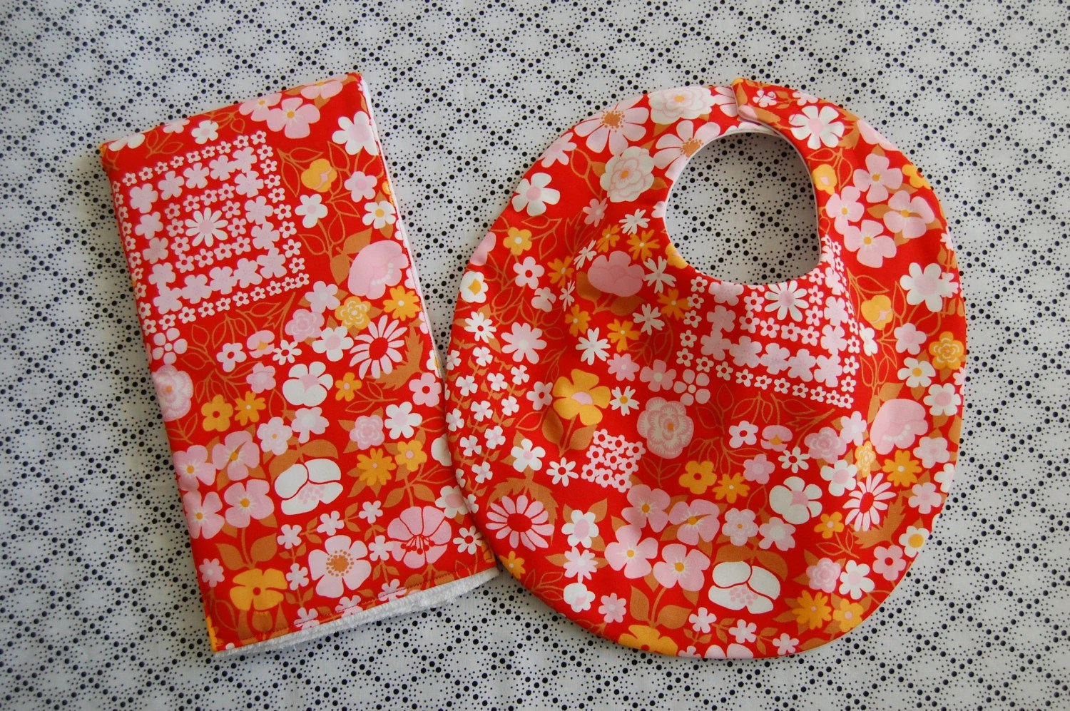 Bib and burp cloth set, bright red flowers