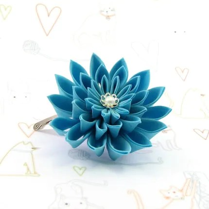 Turquoise big chrysanthemum hair pin- Tsumami kanzashi