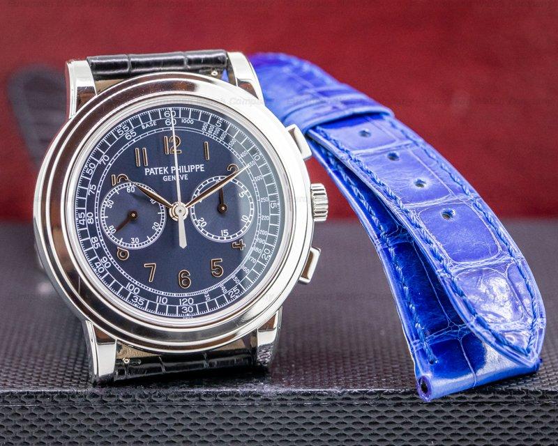 (34126) Patek Philippe 5070P 5070 Platinum Blue Dial Chronograph UNPOLISHED