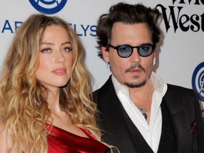 Johnny Depp vs Amber Heard, l'ex manager della star ricorda l'incidente del dito amputato