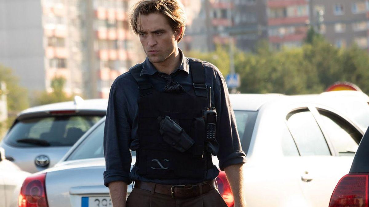 """Tenet, Robert Pattinson rivela: """"Rovinai il mio primo incontro con Nolan per dei dolci"""""""