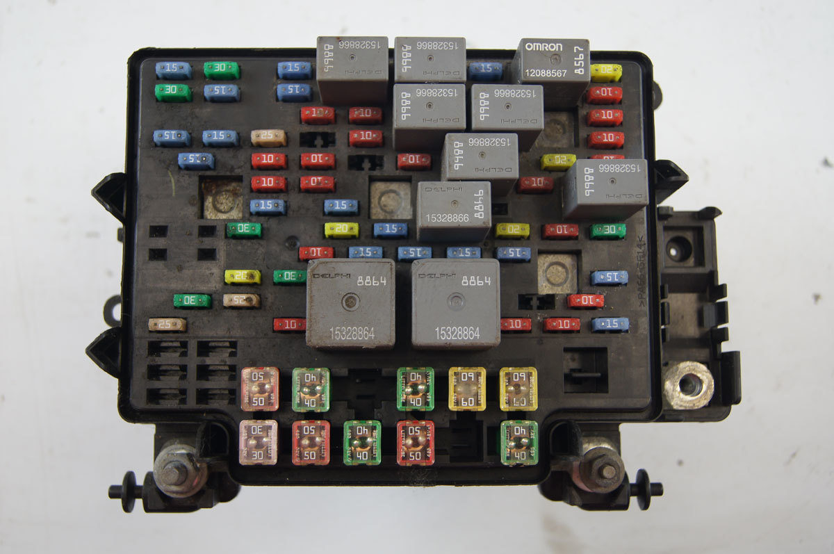 hight resolution of 2003 2007 silverado avalanche tahoe fuse box ul used 15201930 fuse on 2003 gmc box truck