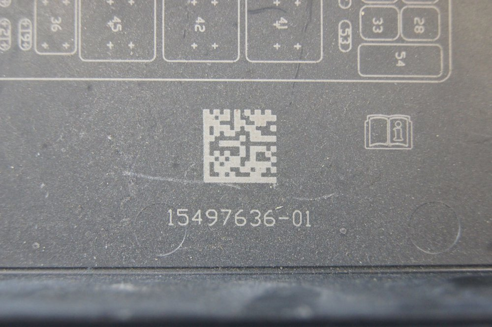 medium resolution of  2005 2013 chevrolet corvette c6 fuse box lid cover used 15497636