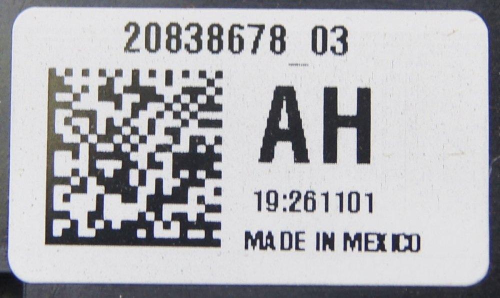 medium resolution of 2009 11 cadillac dts buick lucerne fuse block new oem 20838678 25865468