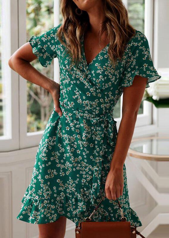 Mini Dresses Floral Ruffled V-Neck Mini Dress in Green. Size: S,M,L,XL