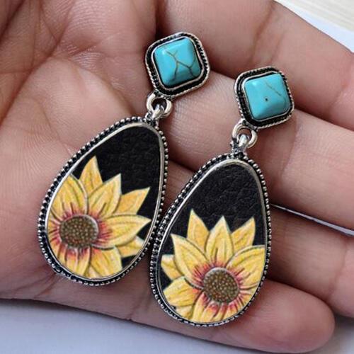 Earrings Sunflower Turquoise Water Drop Shaped Earrings in Black. Size: One Size