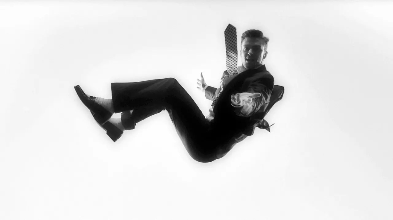 chair exercise justin timberlake covers dubai david fincher assists on his suit tie sh t