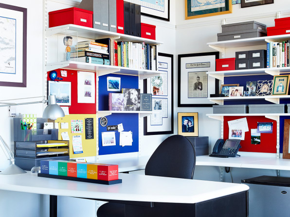 6 Productivity Experts Show Us Whats On Their Desks And