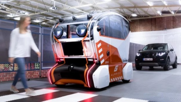 i-1-90231563-people-may-trust-more-autonomous-cars-that-look-like-muppets-813x457 People don't trust autonomous vehicles, so Jaguar added googly eyes Interior