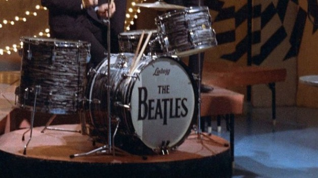 i-2-90249407-the-funny-way-the-beatles-got-their-logo-813x457 How the Beatles got their famous logo Interior