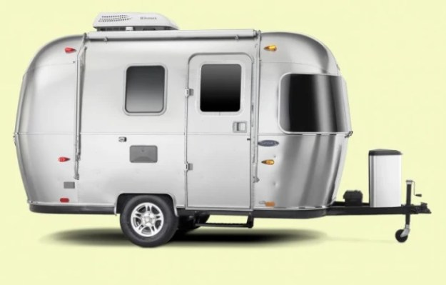i-5-sport-90265781-airstream-rekindles-its-business-and-the-golden-age-of-adventure-715x457 The second life of Airstream Interior