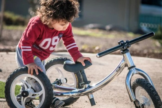 9-this-kids-bike-transforms-as-kids-grow-683x457 This stroller that grows with your kid turns into a tricycle and then a bike Inspiration