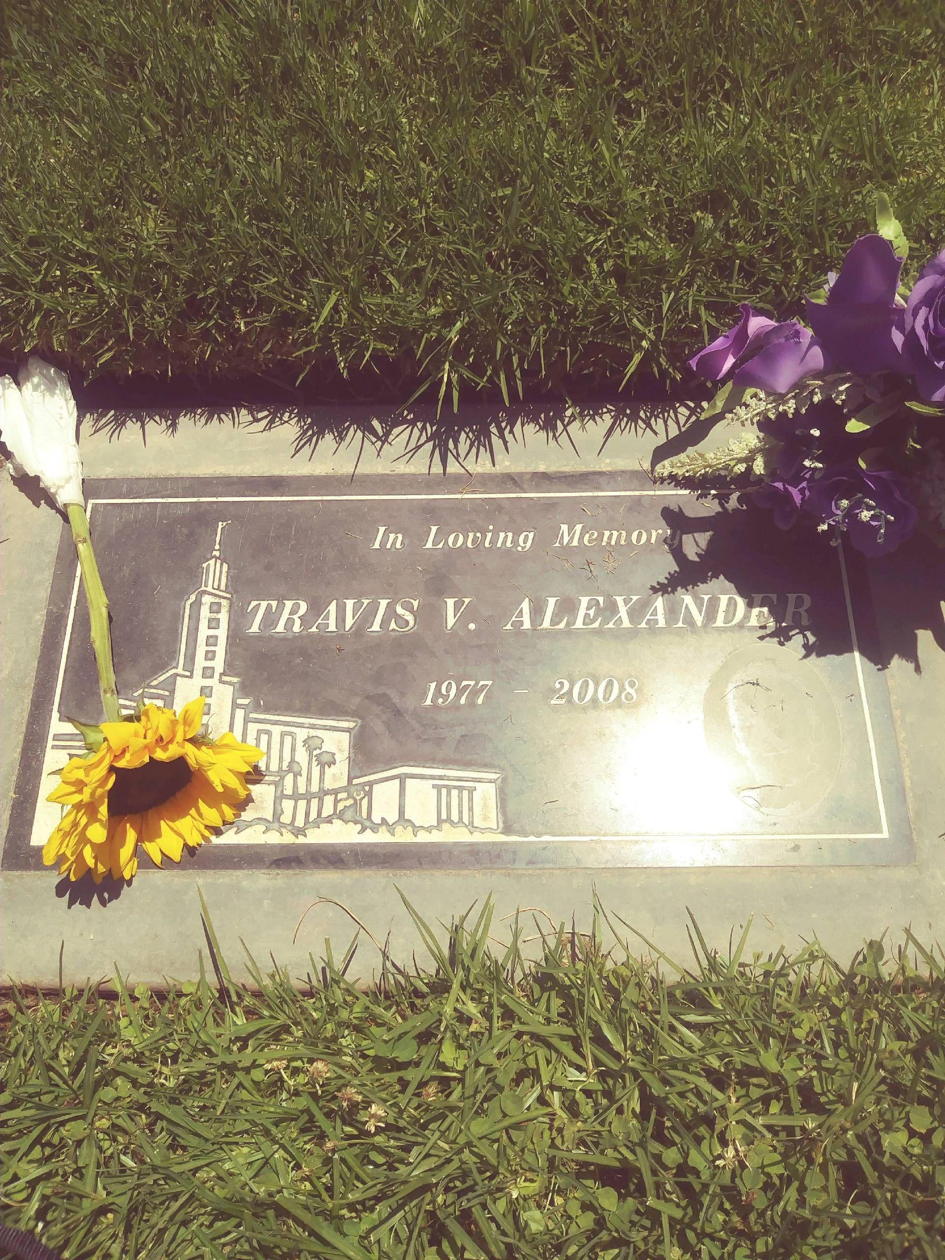 Travis Alexander Pictures : travis, alexander, pictures, Travis, Victor, Alexander, (1977-2008), Grave, Memorial