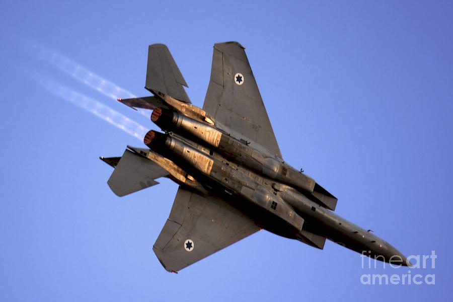 https://i0.wp.com/images.fineartamerica.com/images-medium-large/iaf-f15i-fighter-jet-on-blue-sky-nir-ben-yosef.jpg