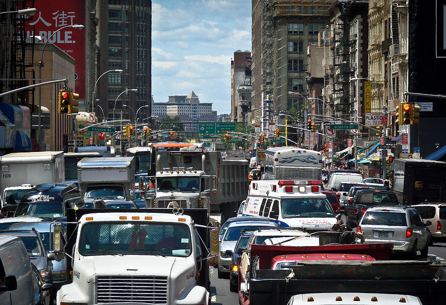 https://i0.wp.com/images.fineartamerica.com/images-medium-large/nyc-traffic-jam-ronda-broatch.jpg