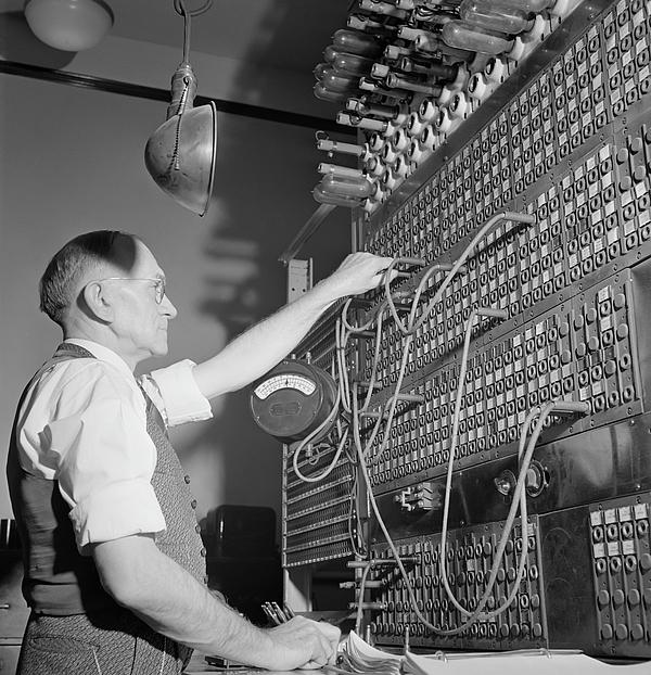 telegraph switchboard operator 1943