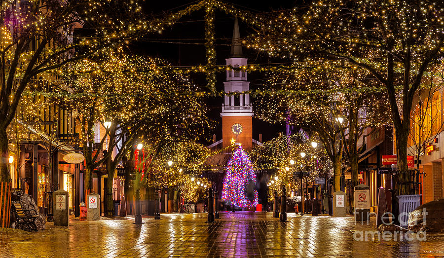 Christmas Time On Church Street Photograph By New England