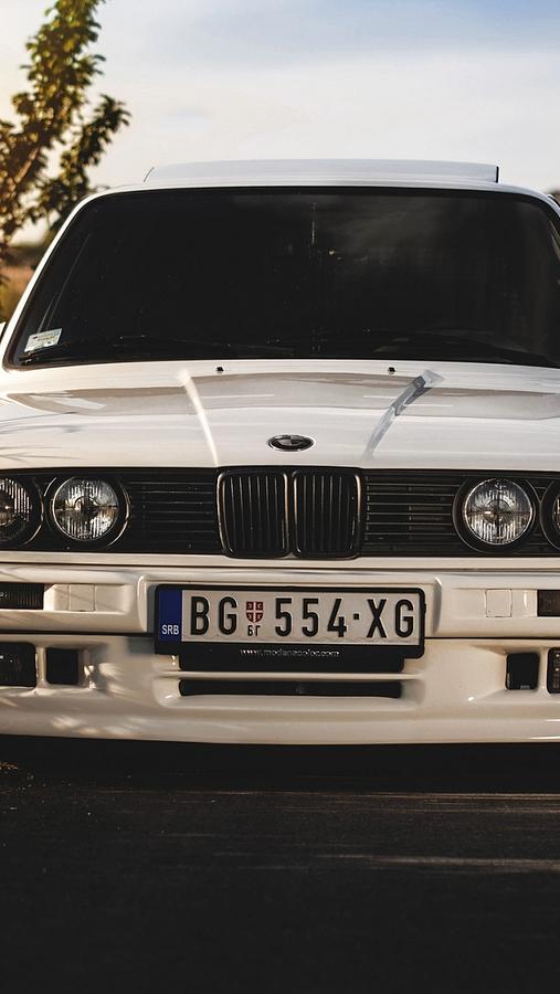 bmw 325i e30 white