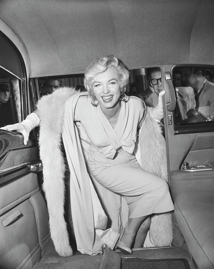 Marilyn Monroe Car : marilyn, monroe, Marilyn, Monroe, Boarding, Bettmann