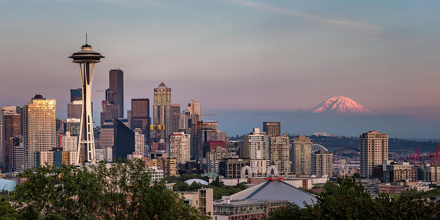 seattle skyline and mt