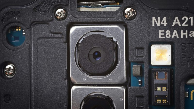 The f/2.4 aperture is achieved by placing two rings around the lens. Image: iFixit