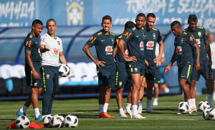 Soccer Football - World Cup - Brazil Training - Yug Sport Stadium, Sochi, Russia - June 13, 2018 Brazil's Roberto Firmino during training REUTERS/Hannah Mckay - RC1D43C838B0