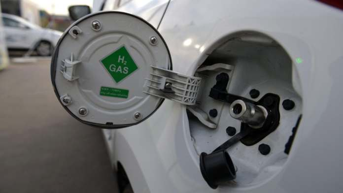 Countries race to develop clean-burning green hydrogen to fuel carbon-neutral future
