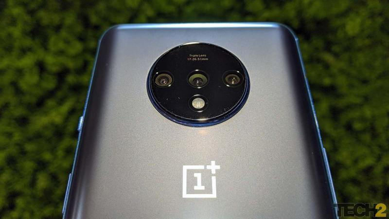 Triple camera system on the rear of the OnePlus 7T. Image: tech2/Abhijit Dey.