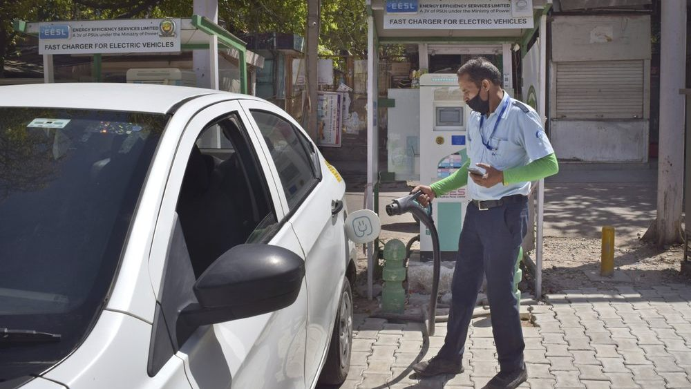 Electric vehicles in India face stumbling blocks on practical and technical fronts- Technology News, Gadgetclock