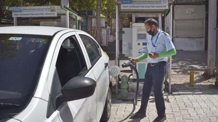 Local automakers have been slow to get into making EVs and their parts, largely because of a lack of demand. Image: AP Photo/Neha Mehrotra