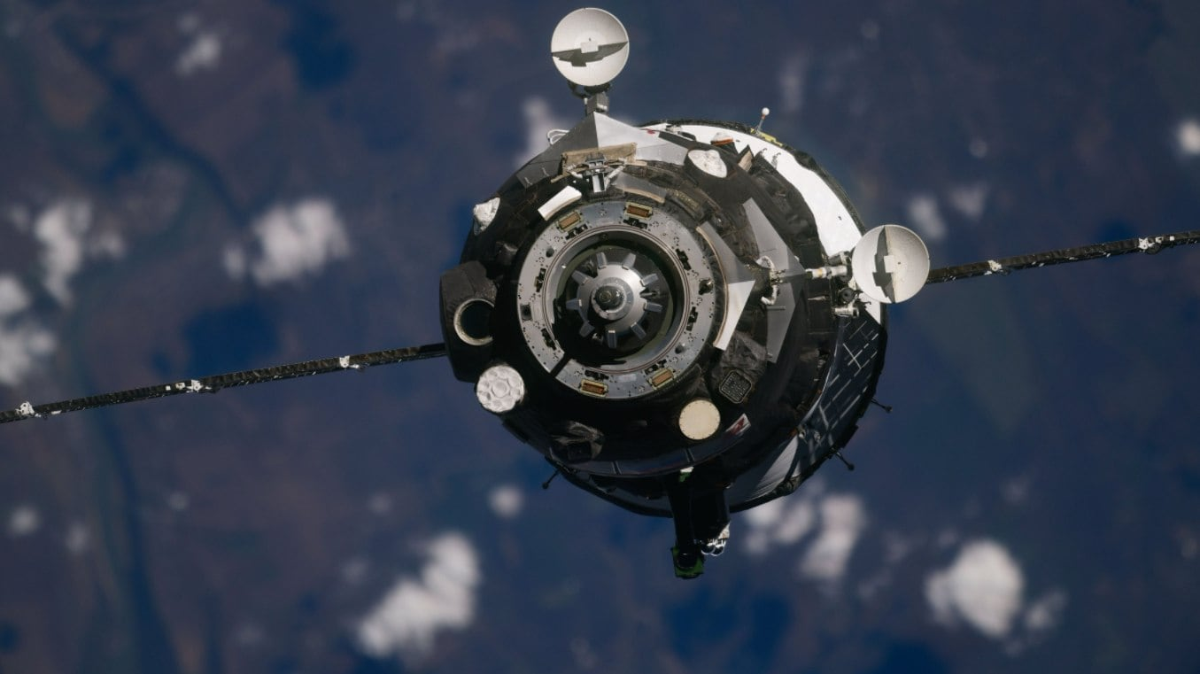 Two cosmonauts, one astronaut arrive at the International Space Station- Technology News, Gadgetclock