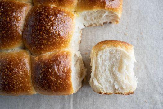 13 Best Thanksgiving Bread Recipes From Cornbread to Dinner Rolls 2
