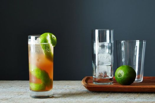 30 Classic Cocktails Recipes, From Mojitos to Martinis 3