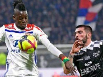 Lyon 2 - 1 Guingamp