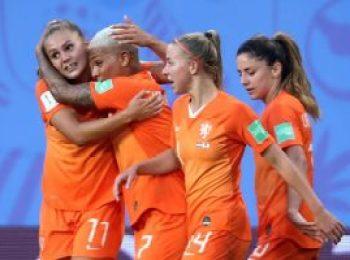 Netherlands 2 - 1 Japan
