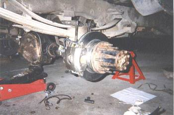Ford 10 25 Full Float Axle Rear Disk Brake and Rebuild